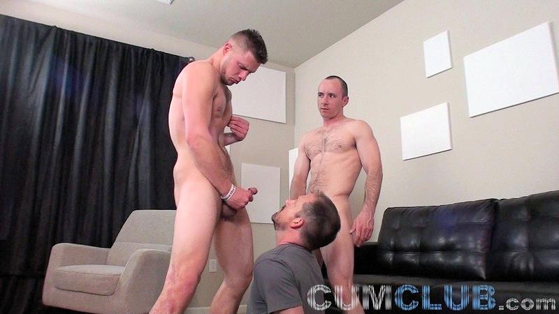 2 Straight-Guys, 1 Cum Sucker - CumClub.com