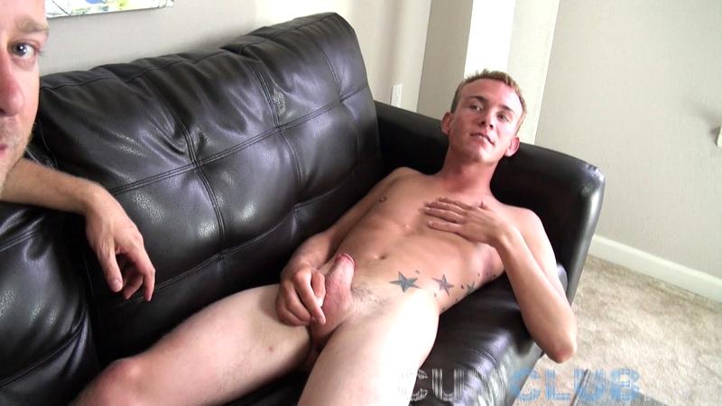Sucking Off Talen - CumClub.com